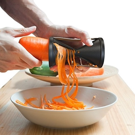 Spaghetti cutter for vegetables